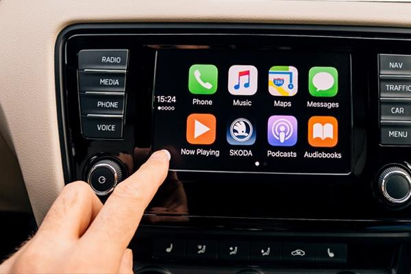 Connected-car-radio.jpg